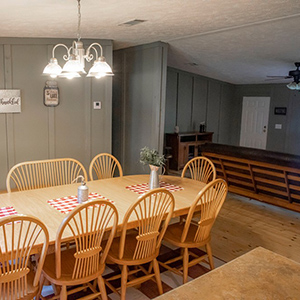 Holley Lake Houses Dining & Living Area